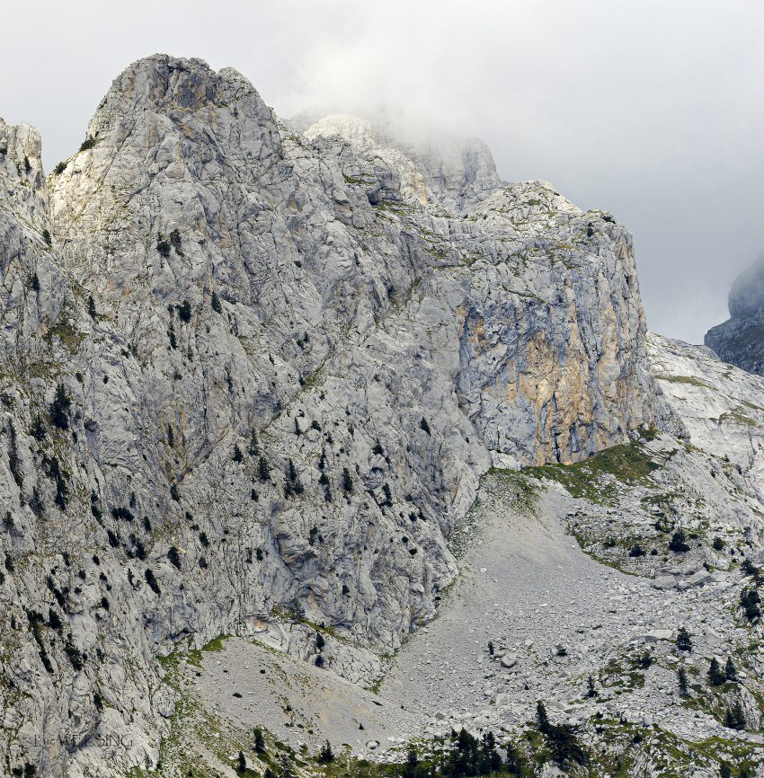 Perdu dans les montagne du nord Albanaises, 1 heure pour monter via la route asphaltée, 7 heures pour descendre part la piste.... Teth, aux environs de Skoder, Albanie, 3 septembre 2018