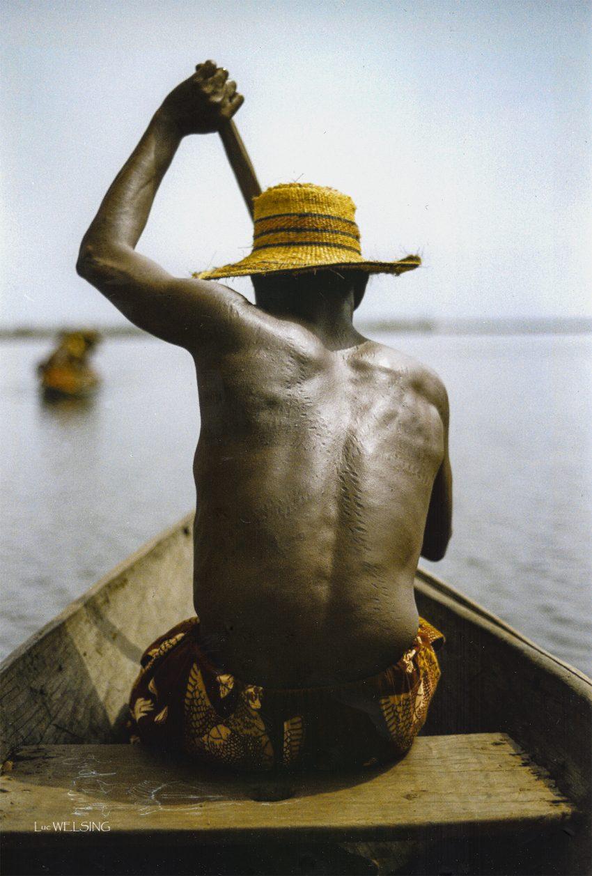 en route vers Ganvier, le village lacustre au large de Cotonou. Benin. 1994