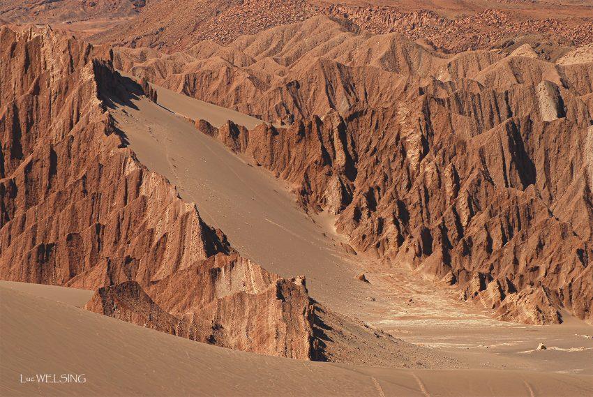 """""""Valle de la luna"""", le desert le plus aride de la planète à environ 2500 m d'altitude, proche de  San Pedro de Acatama, Chili. 2011"""