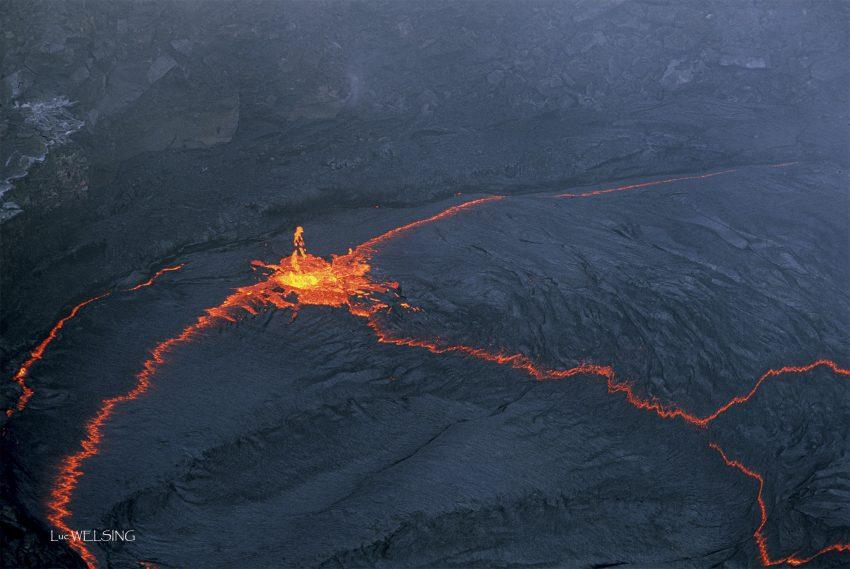Erta Ale, l'un des quatre lacs de lave permanents de la planète, au confins du desert du Danakil, proche de l'Erythrée. 22 fevrier 2006