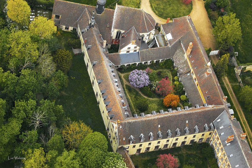 L'Abbaye Saint Nicolas, Verneuil sur Avre, maintenant désertée par les Bénédictines. Mai 2009