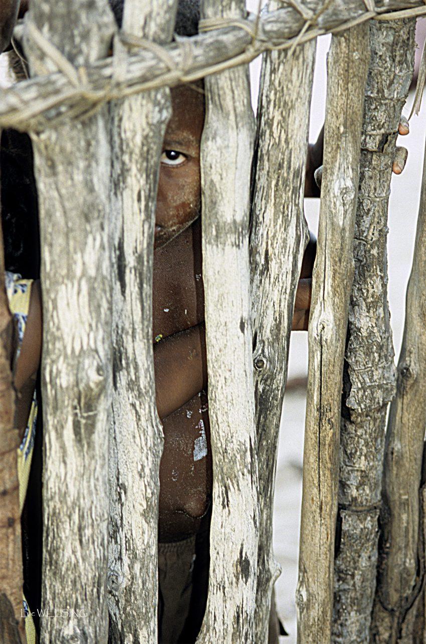 contrairement aux apparences, l'enfermé ici, c'est moi! île de Bosy, Madagascar 2005