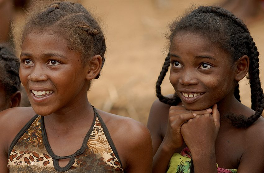 Betomba, sur la rivère Tsiribihina, Madagascar, 2005